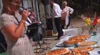 Това възкликнаха някои от участниците в традиционния празник на дзивата и картофа в Поповяне, състоял се на самия Ден на независимостта – 22 септември. На открито – на площада насред […]
