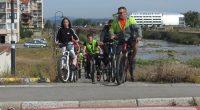 """Повече от 60 велосипедисти – главно деца и младежи, участваха в колопоход в града ни на 21 септември. Поводът бе Европейската седмица на мобилността /16-22 септември/, чието мото гласеше """"Комбинирай, […]"""