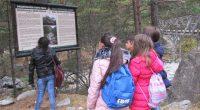 """Ученици от трети и четвърти клас от училище """"Св. Климент Охридски"""" в Благоевград участваха в екологична образователна програма за Национален парк """"Рила"""", като се запознаха с характерните и забележителни обекти […]"""