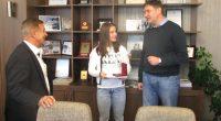 Вицешампионката на планетата по борба Биляна Дудова, възпитаничка на реномираната самоковска школа, бе приета на 29 ноември от кмета Владимир Георгиев. Той приветства с топли думи именитата спортистка и й […]