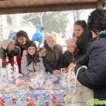 Коледен ученически базар зарадва жители и гости на Самоков