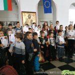"""Наградиха в ПГ """"Константин Фотинов"""" победителите в Коледното математическо състезание"""