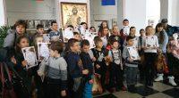 """Победителите в отделните възрастови групи на Коледното математическо състезание бяха наградени на тържество в ПГ """"Константин Фотинов"""" на 18 декември. Дългогодишната учителка по математика Пенка Стойчева заяви, че това е […]"""