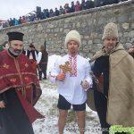 23-годишният Радослав Райчев извади кръста от водите на Искъра в Самоков /СНИМКИ/