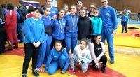 """Осем момичета и четири кадетки от тима на """"Рилски спортист"""" участваха в държавното първенство по борба, състояло се на 30 и 31 януари в Горна Оряховица. Две от момичетата се […]"""