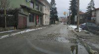 Запълнени са част от най-невралгичните участъци по улиците в града. Предприетите действия са по разпореждане на кмета Владимир Георгиев. От Общината поясниха, че решението е временно и частично. При стартирането […]