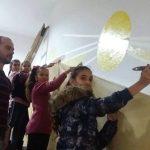 """Ученици и учители от ОУ """"Неофит Рилски"""" разкрасиха училището си"""