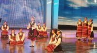 """Детската вокална група """"Медени звънчета"""" с ръководител Даниела Георгиева ще изгрее в национален ефир на 2 март. Това ще стане в предаването на БНТ 1 """"Иде нашенската музика"""" с водещи […]"""