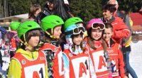 """През този месец общо 300 ученици от Самоков и региона направиха своите първи стъпки със ски в Боровец с помощта на професионалните инструктори от ски училище """"Бороспорт"""". Малките спортисти бяха […]"""