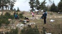 """Втора поредна акция за почистване на замърсени райони организира на 6 и 7 април доброволческата група """"Чиста земя"""". Ентусиастите се събраха срещу бившата фабрика """"Самоковоска комуна"""", откъдето поеха на юг, […]"""