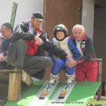 Дядо и внуче участваха в празника на ски скока в Самоков