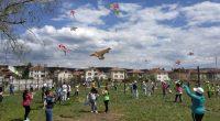 Стотици деца и младежи от общината се включиха във вече традиционния Парад на хвърчилата в двора на Спортното училище, организиран от Местната комисия за борба с противообществените прояви на малолетни […]