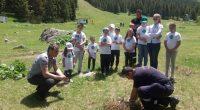 """Повече от 100 деца, младежи и по-възрастни доброволци се включиха в почистването на района около Меча поляна и хижа """"Мальовица"""" на 8 юни, организирано по повод Световния ден на […]"""