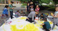 """Тържество на читалище """"Младост"""" по случай 1 юни се състоя на самия ден. Събрахме се пред Военния клуб /ДНА/ – сред зеленина и тишина. Децата подредиха столовете за родители и […]"""
