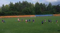 """Точно 20 футболисти се явиха на 24 юни на първата тренировка за сезона на """"Рилски спортист"""". Те бяха изведени на отличния терен на ст. """"Искър"""" от треньора Петър Аджов, който […]"""