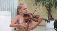 """Изключително радостна вест долетя от Австрия – Диана Чаушева е удостоена с първа награда на Международния конкурс за изкуства във Виена. Младата самоковка, сега ученичка в Националното музикално училище """"Проф. […]"""