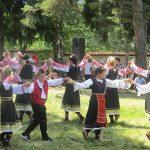 Народни хора и веселие ознаменуваха концерта край Бельова черква