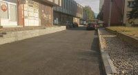 """От Общината информираха, че са пред завършване строителството и благоустрояването в района северно от Общинския пазар, в централната част на града ни.Асфалтирана е ул. """"Абаджийска"""", на която през миналата година […]"""