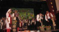 """""""Златно бобче"""": женска група """"Здраве"""" от Сандански и мъжка печвческа група """"Орлови скали"""" от Бели Искър;Награда на кмета на Радуил: фолклорна група """"Дупничанка"""";Награда на публиката: група """"Пензионер"""" от Радовиш, Северна […]"""