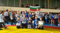 """Младите състезатели на """"Рилски спортист"""" спечелиха 14 медала от турнирите в София, Пловдив и Перник в събота и неделя, на 12 и 13 октомври.Най-добре се представиха малчуганите в подготвителните групи, […]"""