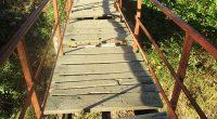 """Проверка по сигнал Читатели сигнализираха за лошото състояние на моста на р. Бистрица на входа на Лаго.""""Конструкцията е желязна, има и парапети, но част от напречните дъски ги няма. Други […]"""
