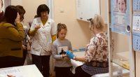 Самоковският Ротари клуб финансира безплатното изследване на около 600 самоковски ученици за диабет. Целта е навреме да се открият евентуалните застрашени от захарна болест млади хора и да се предприемат […]