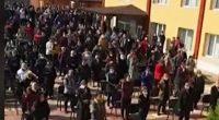 Масова литургия, състояла се пред Българската божия църква в Седми квартал по време на пандемия по случай Цветница и за избавление от коронавируса, предизвика обществено негодувание и санкции.Директорът на Областната […]