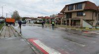 """От понеделник, 4 май, след пролетното почистване, започна традиционното измиване на улиците в града.Работата стартира от най-големия квартал – """"Самоково"""", където ще бъдат измити всички улици между жилищните блокове. От […]"""