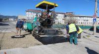 """С подобряването на времето започна текущият ремонт на улици в Самоков, като се запълват с топъл асфалт дупките по платната.Работата е започнала от централните улици – """"Искър"""", """"Търговска"""", """"Проф. Васил […]"""