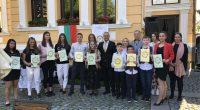 Млади самоковски таланти, представили се много успешно през последната година, бяха наградени от самоковския Ротари клуб на специално тържество на 19 юни в Кокошковата къща.Грамоти и стипендии от по 500 […]