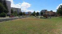 """От понеделник, 20 юли, Илинден, започна изграждането на интерактивна детска площадка за безопасност на движението в детска градина """"Самоково"""".Новата площадка ще даде възможност малчуганите добре да научат пътните знаци и […]"""
