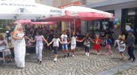 Поредното лятно детско парти, организирано от Младежкия дом с отговорник Латинка Щъркелова, се състоя на открито, пред дома, на 24 юли. Цял час децата пяха, танцуваха, играха и се забавляваха […]