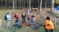 """Много емоции и позитивно настроение на участници и публика предизвика състезанието по планинско колоездене в дисциплината спускане за купа """"NoBrainz"""". Първата по рода си подобна надпревара в Самоков се състоя […]"""