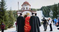 """Новият параклис """"Св. Йоан Чудотворец"""" бе осветен на 29 декември. Култовата постройка е монтирана на Меча поляна, в подножието на Мальовица, където е и входът на Националния парк """"Рила"""". Боголюбивото […]"""