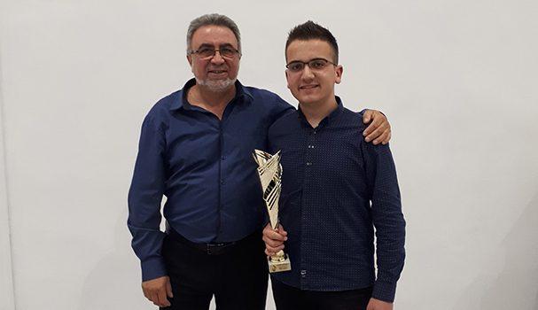 """Младият акордеонист Димитър Рогачев стана победител на Осмия международен конкурс """"Звукът на времето"""", състоял се във Велико Търново. Интересно и показателно е, че Митко спечели и миналогодишното издание на авторитетната […]"""